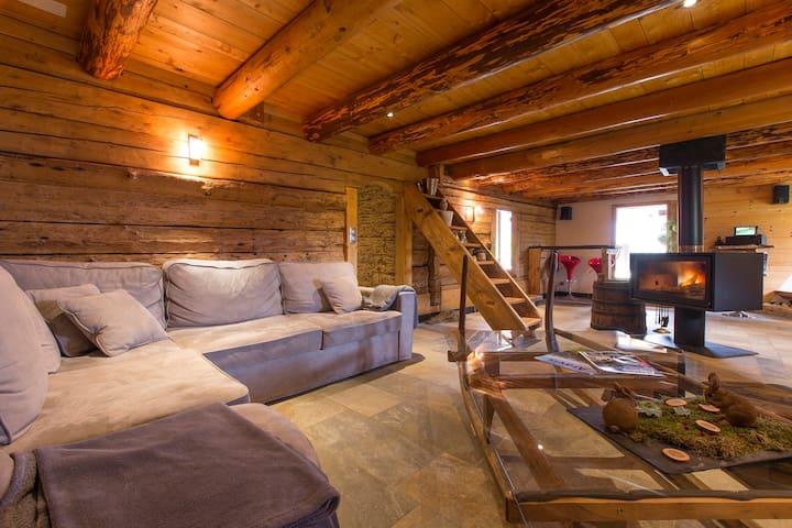 Le1785VieuxChalet renové avec sauna 4*