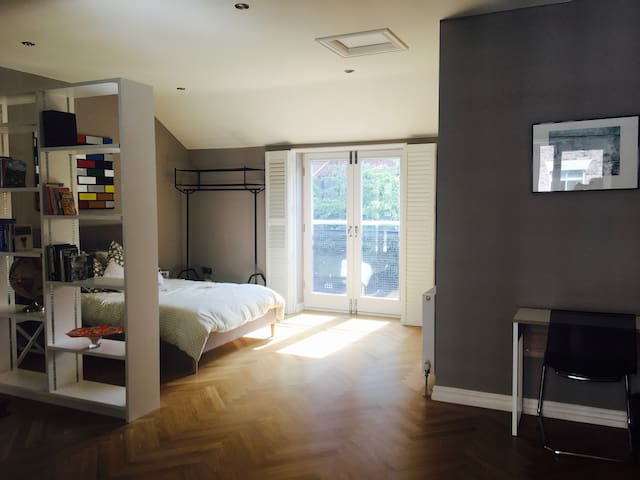Gorgeous Studio Apartment in City Centre House - Newcastle upon Tyne - House