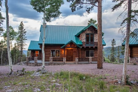 Luxurious Beaver Mountain Cabin Home &Guest House - Beaver - Cottage