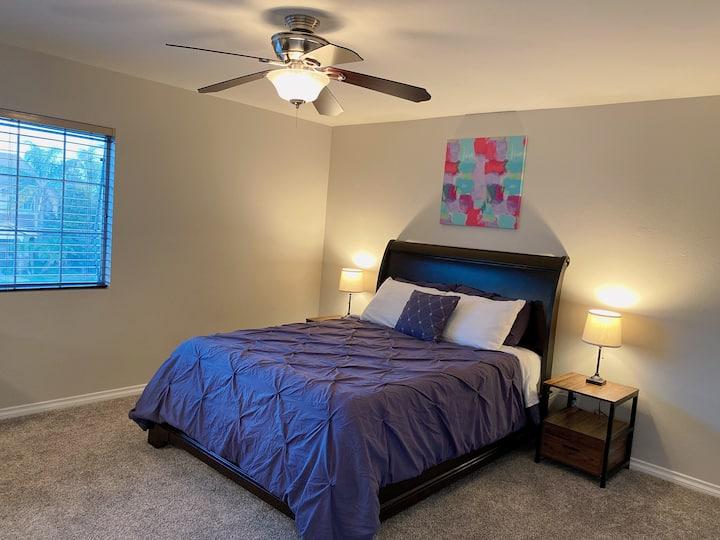 JW 207 Queen bedroom with shared bathroom