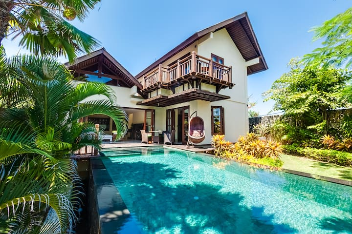 Gita Cliffront Villa