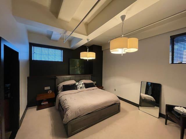 2nd bedroom (Ensuite Cal King)