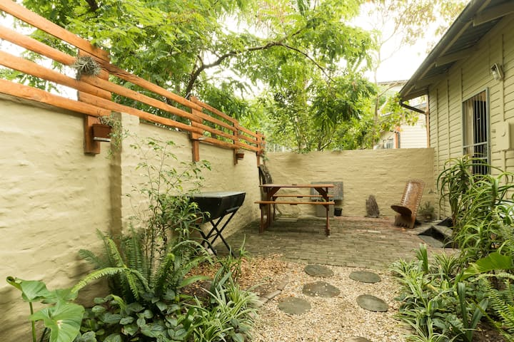'Old Knysna' Two Bedroom Chalet