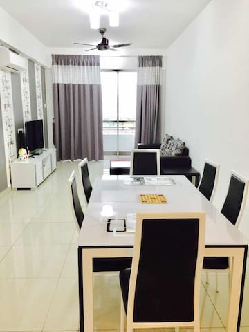 Excellent Majestic Homestay (8Pax) @ 18th floor - IPOH - Apartament