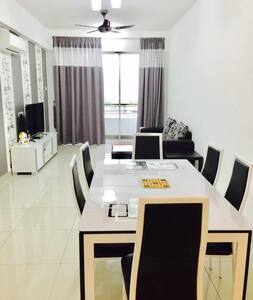 Excellent Majestic Homestay (8Pax) @ 18th floor - IPOH