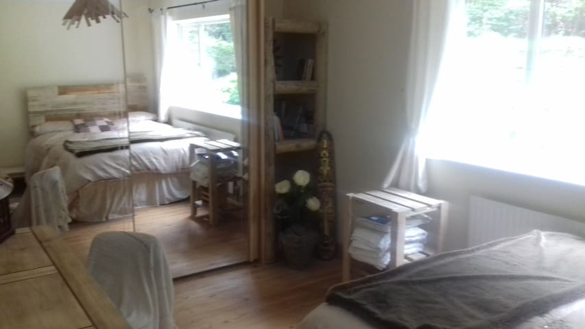 light and airy double room in friendly house