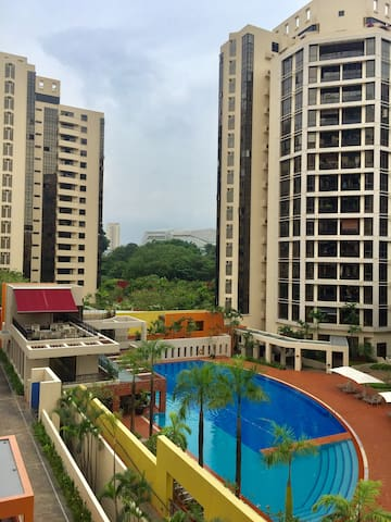 Furnished 2 bed/2 bath condo w MRT (min 6months)