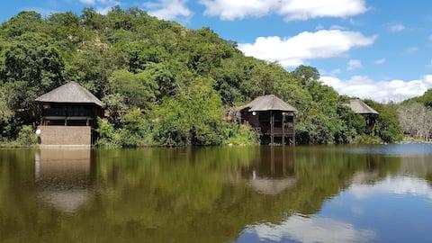 Sunset Creek Game Lodge - Chalet 4