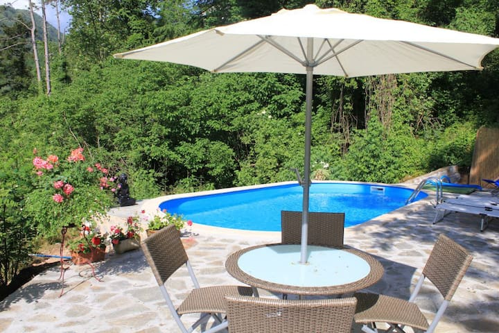 (URL HIDDEN) pool and garden/ near spa resort - Bagni di Lucca - Appartement
