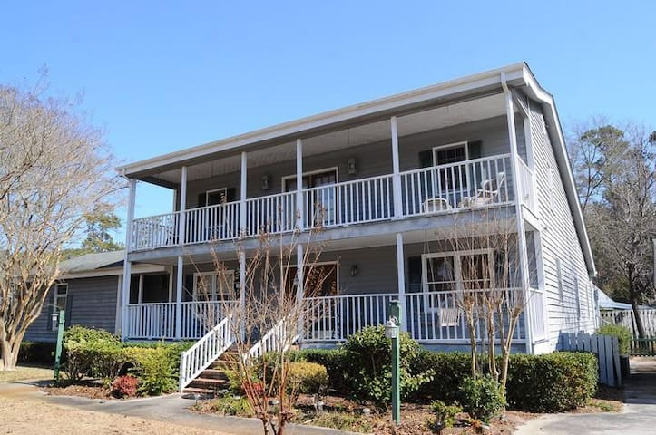 *NO GUEST SERVICE FEE* Gray House at Pawleys