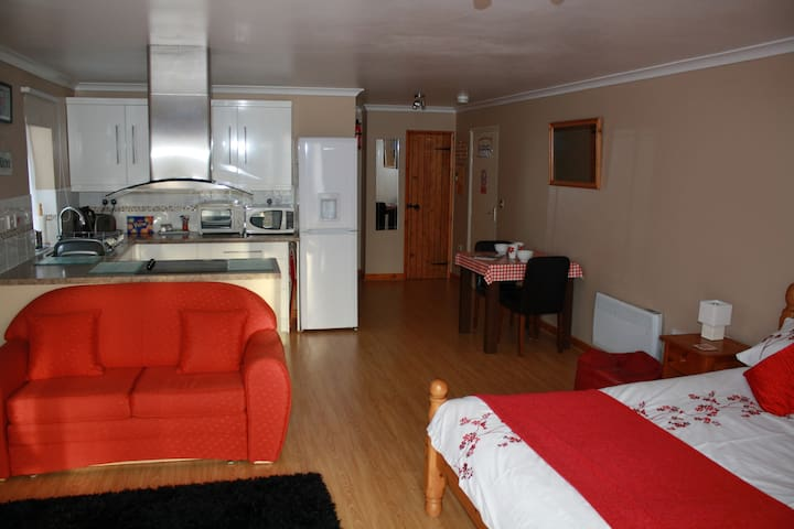The Hideaway - Self Catering Studio - Woodhall Spa - Apartment