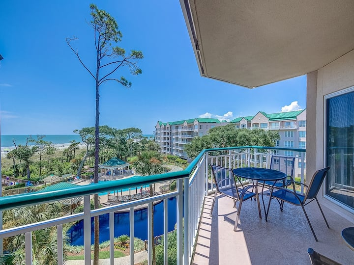 4404 Windsor Court N. Updated 1BR Villa on the Beach with 4th Floor Views!