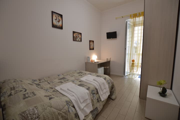 Lovely single room Andrea in Rome