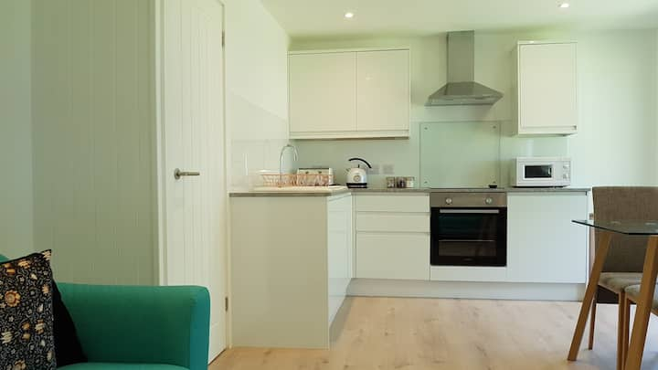 New Bright, Comfy Family Cabin Near Bude, Cornwall
