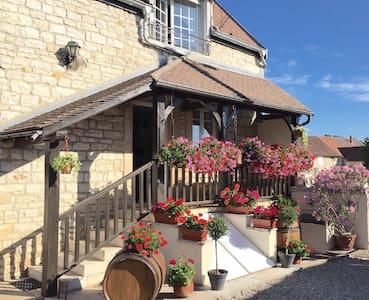 Gite Bourguignon 1-6 pers, Route des Grands Crus