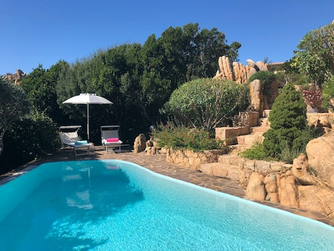 Villa with romantic garden and private pool