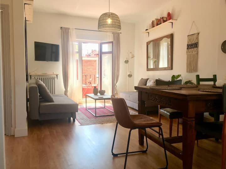 CHIC BEACH ATTIC CENTER GIJÓN 2 Double Room