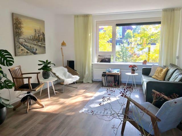 Large 2 level apartment in Utrecht