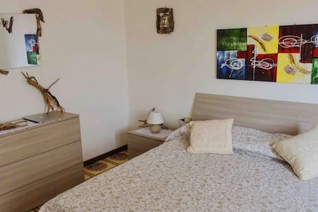 Ample flat very close to city center (90 m2)