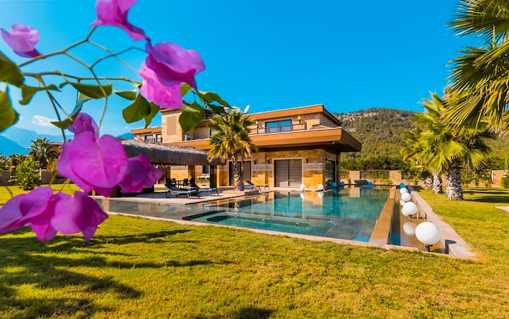 Luxury and Unique Holiday Villa in Kemer Antalya.