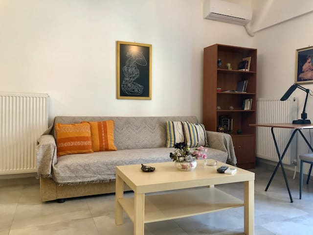 1BR Modern Apartment / Close to the City Center