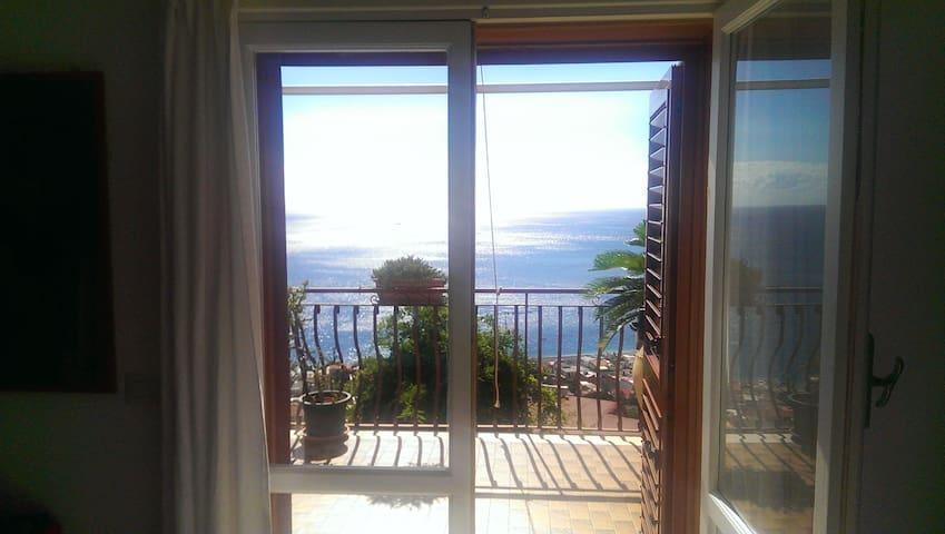 CasaLunaRomantica, overlooking Taormina Coast - Letojanni - Apartment