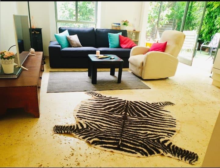 Beautiful garden apartment at Savyon