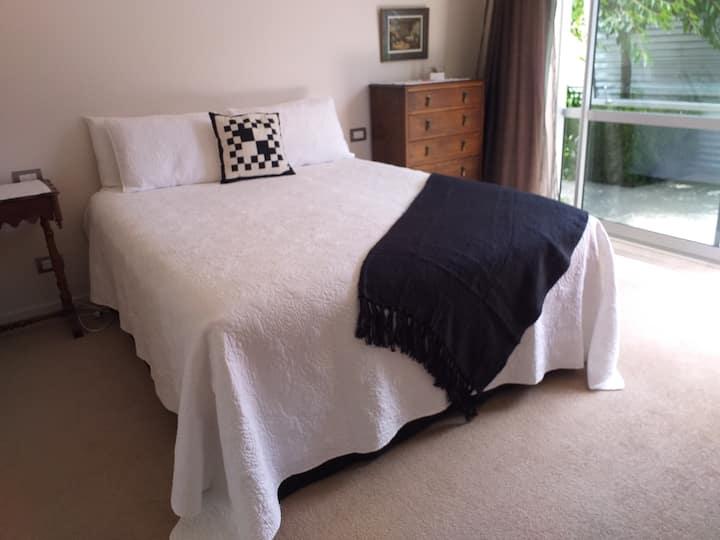 Privacy in Malborough - The Black+White Room