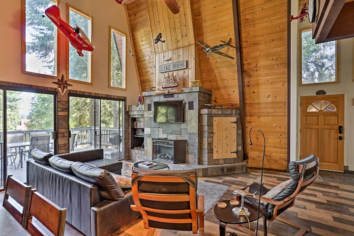 NEW! Mod Cabin w/ Hot Tub, Walk to Lake + Golfing!