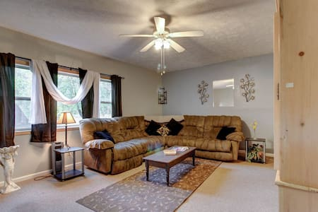 Lower-level riverfront condo close to everything in downtown Helen