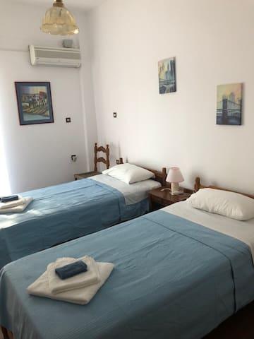 Anargiros Rooms