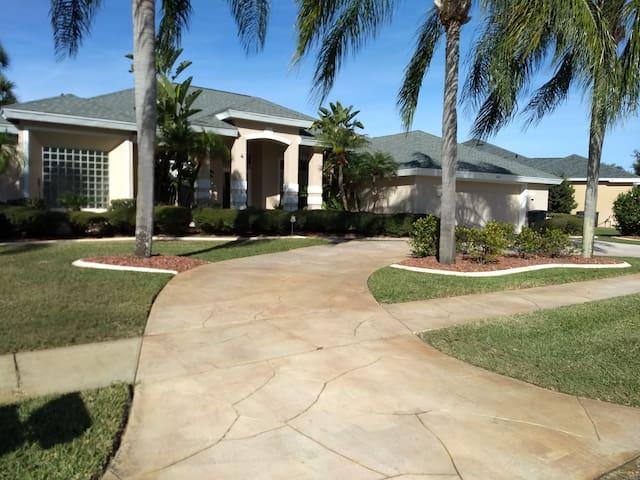 Affordable Luxury Daytona Beach Area Event Lodging