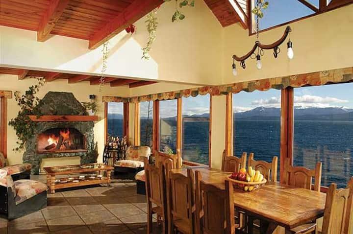 magnifica casa a orillas del lago