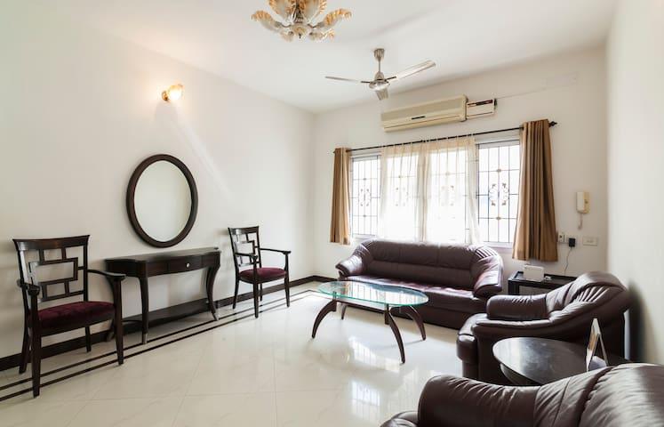 A/CRooms/Apartment-NungambakamNXT SHANKARANETHRALA - Chennai