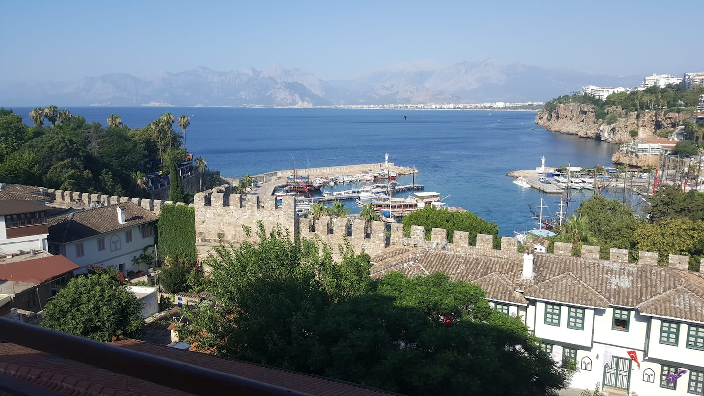 AirBnB in Turkey, Kaleiçi, Antalya: In the old town, and city wall & sea views!