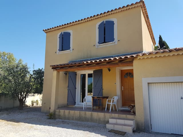 Jolie villa orangeoise - Orange - Hus
