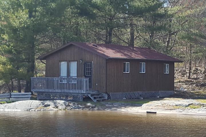 Woods Bay Lodge Water Front 3 Bedroom Cabin