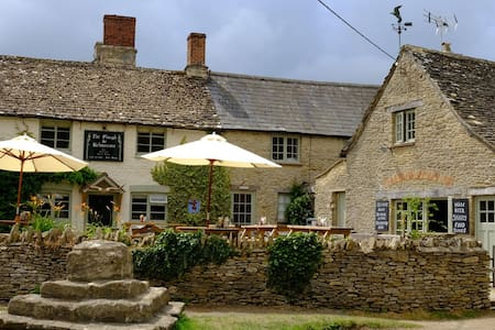 The Plough Inn, Kelmscott - Kelmscott