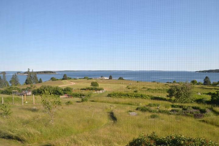 Ocean View/Access B&B- The Lookout Inn  Rm 203/204