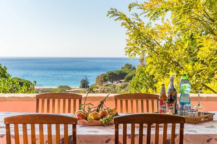 Villa vista mare a 5 minuti a piedi dalla spiaggia