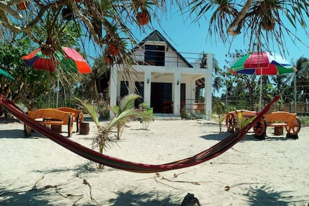 B2# TRADITIONAL VILLA BEACHFRONT w/ loft in PATAR