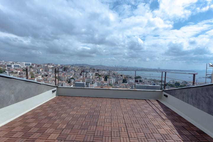 2 BR Stylish Duplex with Amazing View in Istiklal Street