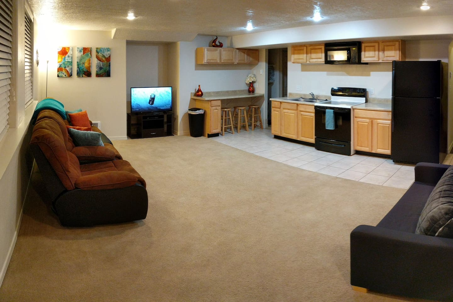 Large family room/Kitchen