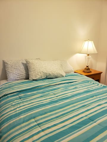 Comfortable room with Private full bathroom
