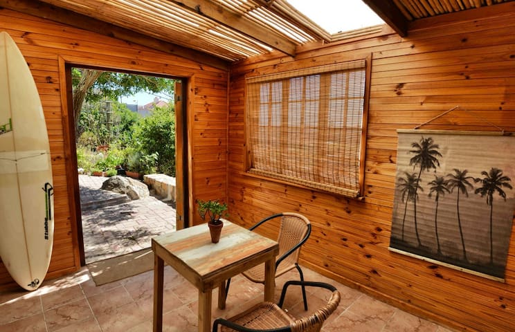 Sunlit studio.Stunning views, hidden gem, paradise