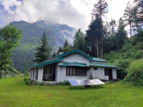 Peaceful Bungalow at Durmi, Chamoli Uttarakhand