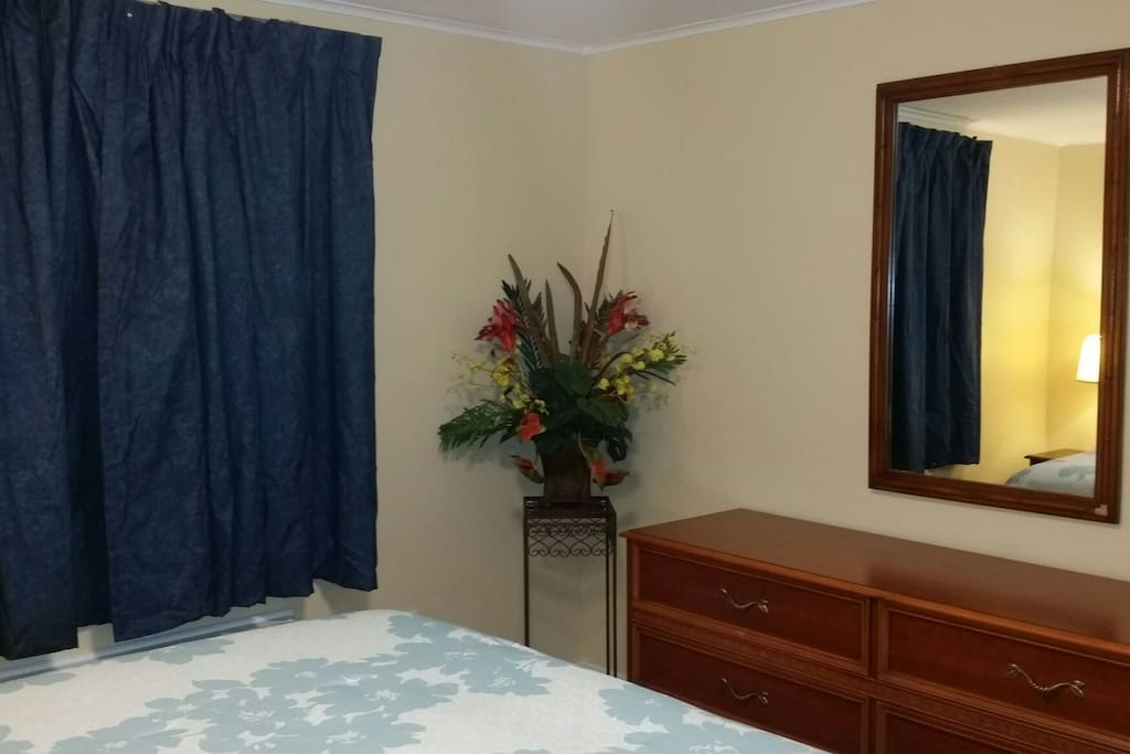 Quiet And Spacious 2 Bedroom Suite With Breakfast Apartments For Rent In Charlotte North