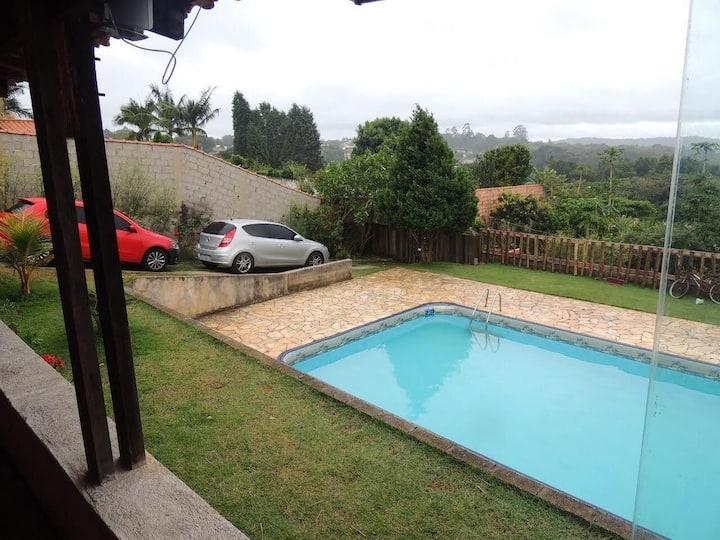 casa com piscina individual em condomínio fechado