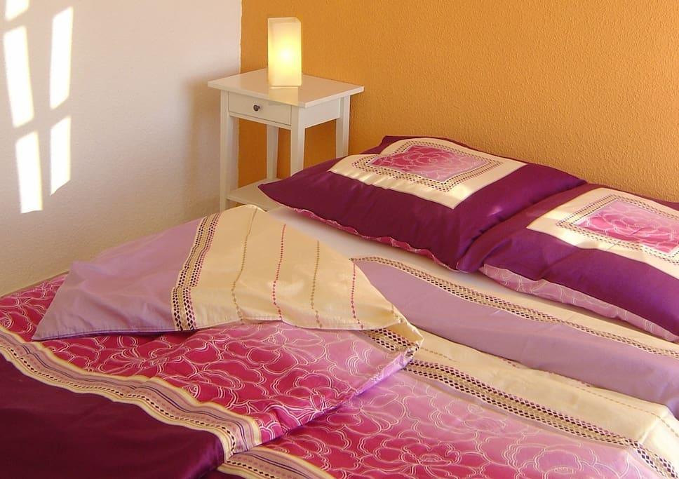 Schlafzimmer Naranja mit Doppelbett 160 x 200 cm