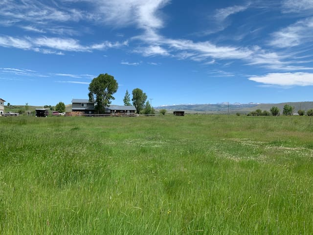 Great Wind River Views - 2 miles from Pinedale